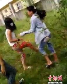 广西多名中小学女生围殴一女生 拍视频发网络