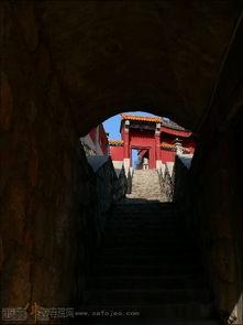 万修皆道-终南山观音禅院位于西安市长安区沣峪口进山3公里处的鹏豪大观园内...