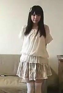白丝袜诱惑小萝莉 丝袜热舞