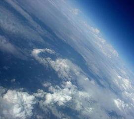 求天空的图片,天要看起来很高很高,最好高的不真实