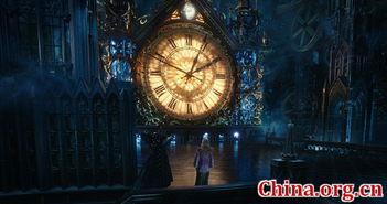 《爱丽丝2》时间城堡设计精巧 [中国网]-爱丽丝2 华丽公映 穿越时空开...