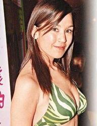 希与16岁嫩魔尺度超大的短片后,陈冠希远赴温哥华参加亚洲电影节避...