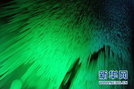 万般皆幻-位于山西省忻州市宁武县的万年冰洞形成于新生代第四纪冰川期,距今...