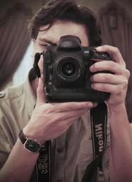 ...方狙击手射杀的26岁的埃及摄影记者艾哈迈德·萨米尔·阿萨姆-埃及...