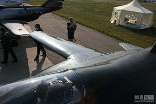 翼匣-同我国的L-15一样,SR-10与雅克-130存在很密切的关系,而二者最主...