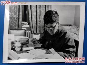 ...照片:广东外轮公司海口分公司翻译——陈有锐【尺寸20.5X15.5公...