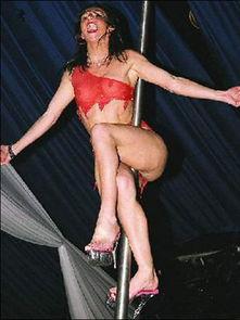 ,钢管舞是欧美色情场所仅供成人欣赏的一种娱乐活动,其实不然,...