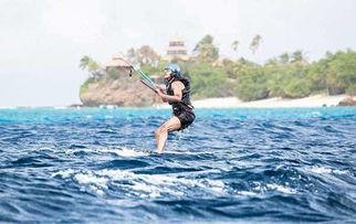 宝刀未老 奥巴马无官一身轻 加勒比海岛度假玩风筝冲浪