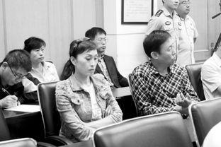 元被撞索赔案在沈阳沈河区人民法... 庭审中,田连元代理律师详细解说...