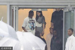 ...迈阿密,近日,凯莉-詹娜(Kylie Jenner)和新任男友特拉维斯-斯科...