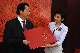 ...省长吴新雄接受凤凰卫视吴小莉专访