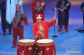 ...,来自世界各地的12支军乐劲旅齐聚香港体育馆,为香港首次举行大...