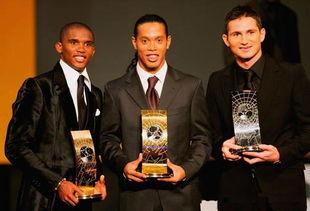 2.无缘足球先生 在个人荣誉方面,埃托奥曾经四次获得非洲足球先生...
