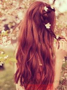 女生背影麻花辫子图片 做个神秘女神