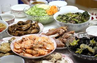 ...丰富的东北风味家庭宴席