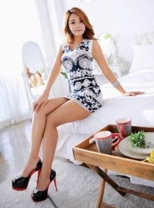 办公室极品肉丝长腿美女大胆OL制服翘臀诱惑写真图片 美腿丝袜 美桌...