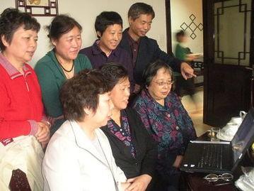 友的信息照片和视频带到天津送到战友的心里,大家很激动每个人都发...