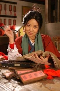 分钟脱口秀造经典桥段 闫妮再演风情佟湘玉
