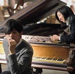 演员桂纶镁会弹钢琴吗 周杰伦拍四指联弹NG高达70多次