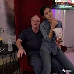 性交视播-并且Nat还经常在社交网络上秀恩爱.她更是温柔体贴地对待老公.   ...