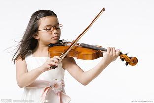 拉小提琴的小女孩图片