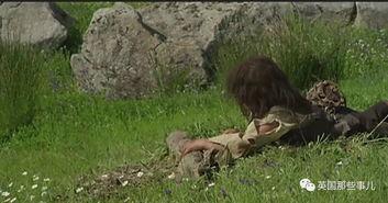 的他又把抓到的兔子送给狼群,算是报恩....   此后,Pantoja彻底学会了...