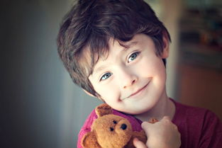 大笑的小孩图片