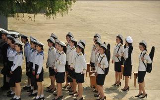 英报记者眼中的朝鲜女兵 迷你裙机器人部队