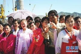 记者乘朝鲜火车 实拍当地民众日常生活