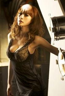 王李丹妮风情领衔 靠喷血豪乳上位的八大女星