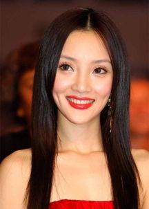 不雅视频,尺度大胆,而视频女主被认为疑似女星李小璐.新浪娱乐第...