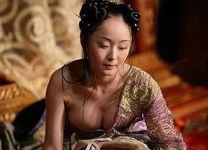 农村女人肥硕的大肥屁股小说-张艺谋选 谋女郎 标准 脸小胸小善舞蹈