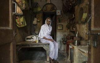 实拍印度寡妇村的第一次放纵 只求开心只求尊重