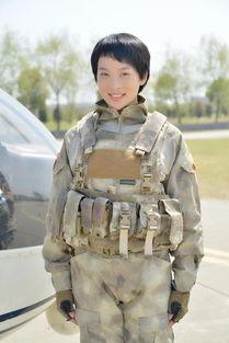 我是特种兵之火凤凰 将播 童苡萱化身女兵