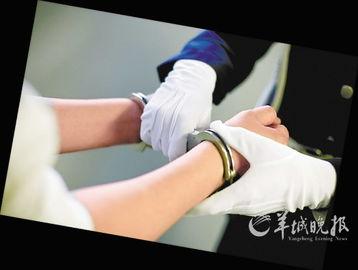 无料工口av xvideos-我和妻子阿惠相遇于2003年春天.当时我们同在深圳一家电子厂打工,...