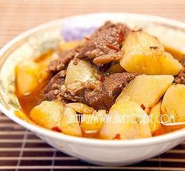 土豆炖牛肉的懒人做法——砂锅+熟牛肉+土豆