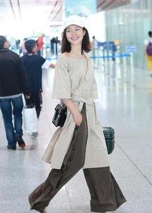 刘亦菲的闺蜜 因和邓超传绯闻被封杀8年 15