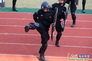 省军区副司令员李谷建大校、省军区副参谋长陈松德大校等相关领导出...