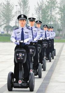白马金羁踏宇内-●西南地区首次使用电动代步车做警用巡逻车   ●智能电动巡逻车,可以...